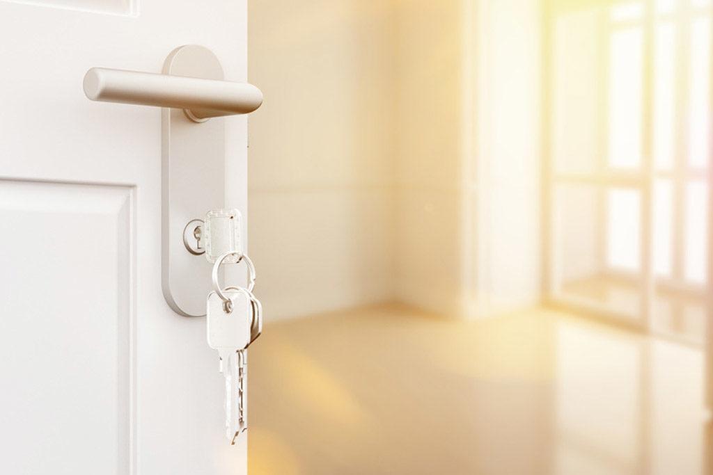 Maison entière ; cave, grenier ; locaux d'entreprise ; avec ou sans étage ; avec ou sans ascenseur ; ...